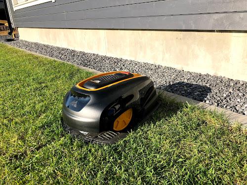 McCulloch, McCulloch ROB R1000, robotti, robottileikkuri, robottiruohonleikkuri, husqwarna, telakka, ruohonleikkuri, suojakatoksen rakentaminen, robot gräsklippare, robot lawn mower