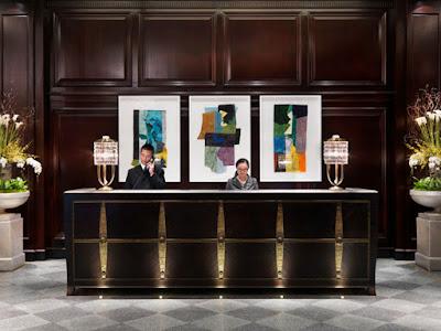 Decoración tradicional de un hotel con obras de arte Gaudifond