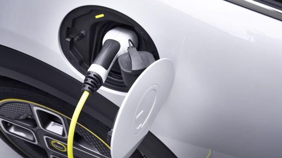 Επιδότηση για αγορά ηλεκτροκίνητων αυτοκινήτων και σκούτερ