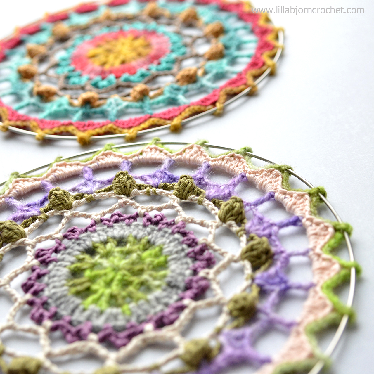 Spirit Mandala wall hanging - FREE crochet pattern by www.lillabjorncrochet.com