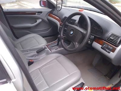 Interior Lengkap Bagian Dalam Sedan BMW 318i
