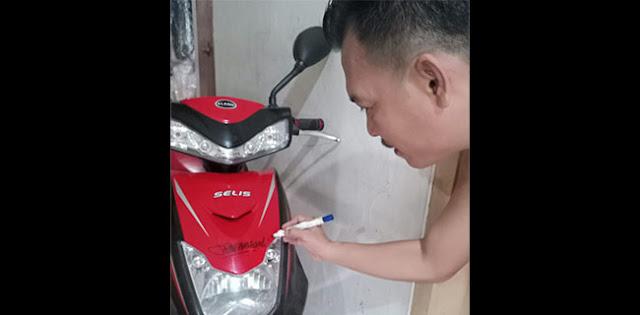 Kalau Punya Jokowi Kena Prank Rp 2,55 M, Motor Bertanda Tangan Ketum ProDEM Ini Laku Berapa Ya?