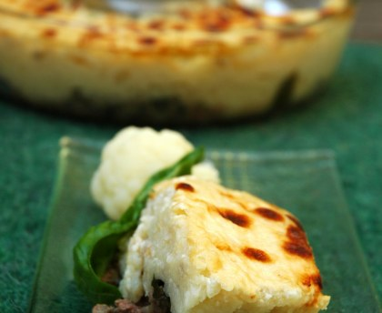 Cauliflower with basil and minced meat