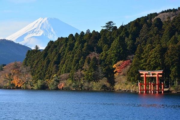 Vẻ đẹp hùng vĩ, trong lành của hồ Ashinoko