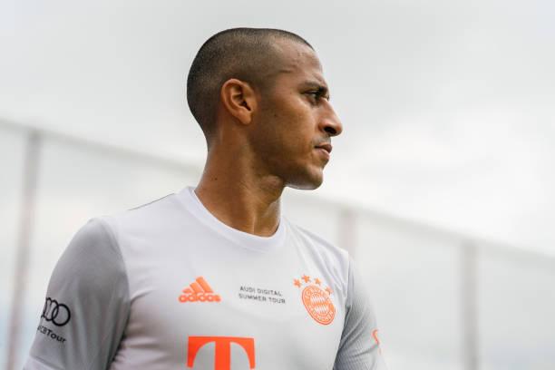 Sếp lớn Bayern xác nhận 'buông tay' Thiago