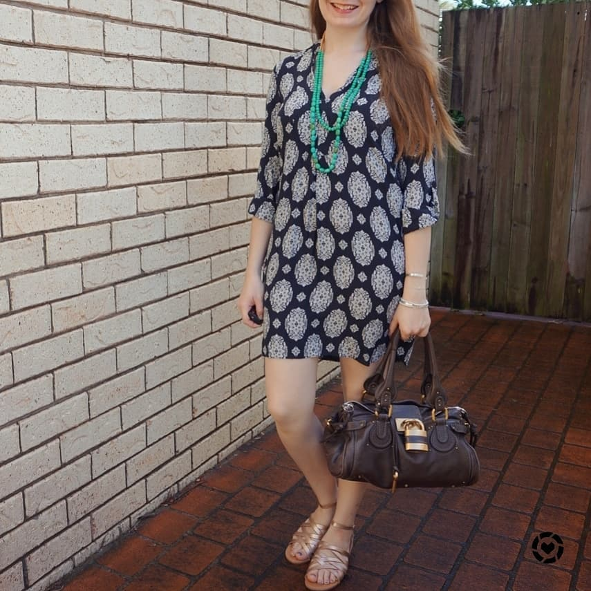 f40164e47c66 awayfromtheblue instagram navy printed tunic shift dress with gold sandals  chloe paddington bag
