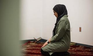 معنى اقامة الصلاة في حلم العزباء