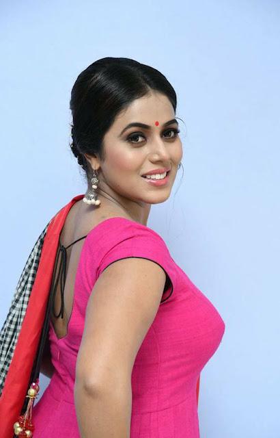 Actress Poorna HD Photos