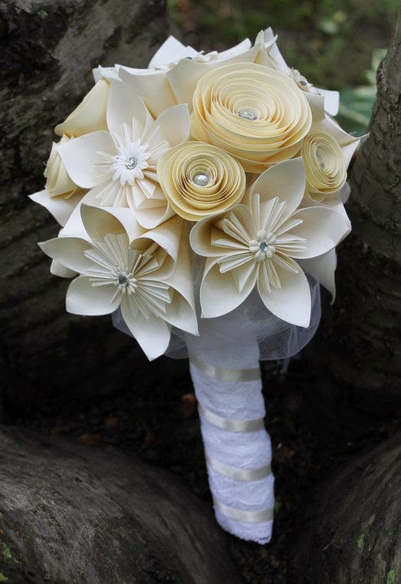 white origami bridal bouquet