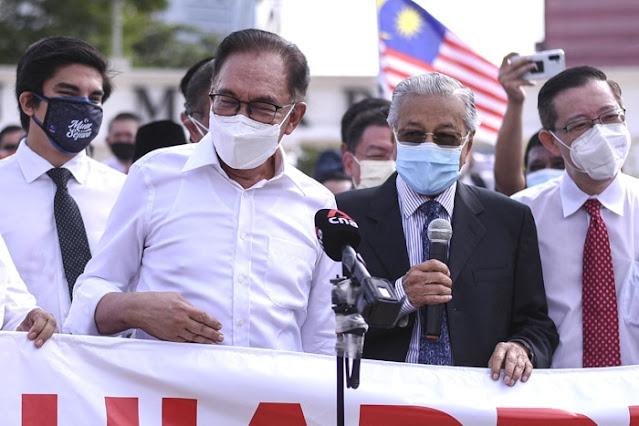 Anwar-Mahathir Berkoalisi, Dulu Gulingkan Najib, Kini Lawan Muhyiddin