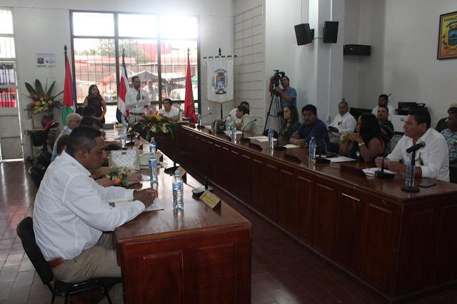 Solicitan proyecto de ley sobre la interposición de horarios que sufren los regidores