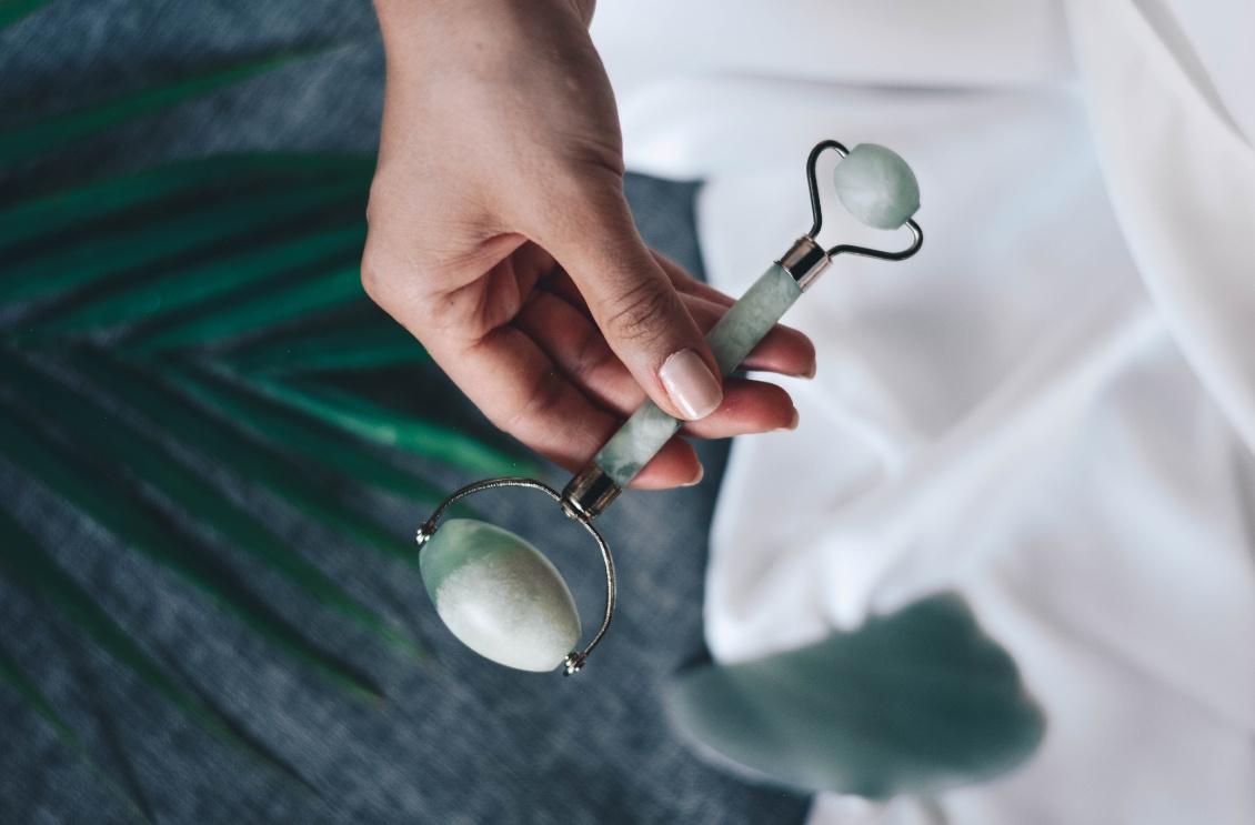 Tipps für einen frühlingshaften Teint - Gesichtsmassage - Massage - Jade-Roller