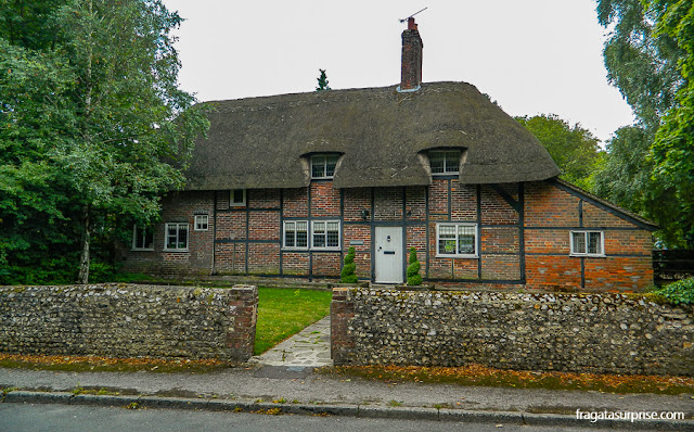 Casa típica do Sul da Inglaterra em Chawton, vila onde viveu Jane Austen