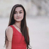 Kumpulan Foto Cantik Caitlin Halderman