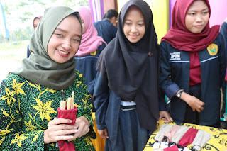 Gebyar Bazaar Desa Sogaan, Menampilkan La'ang Hingga Sedotan Bambu