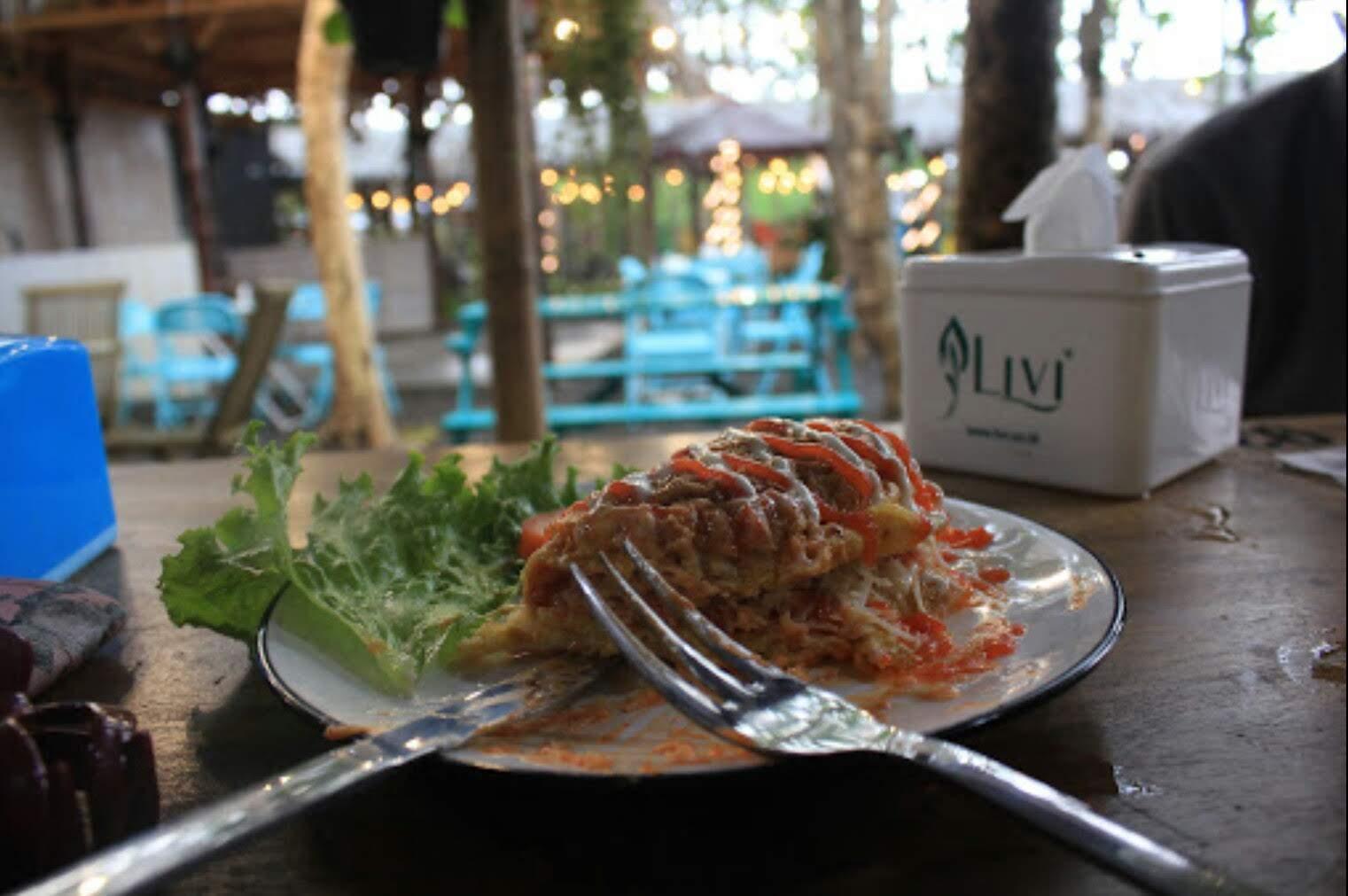 Cafe Romantis Camilo Colours & Garden dengan balutan Alam Indah