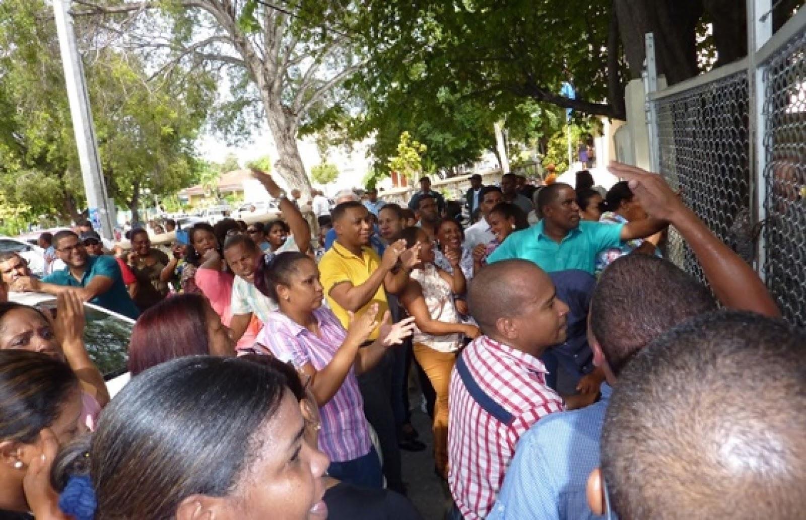 Seccional ADP-Neiba continua lucha; no iniciará nuevo año escolar hasta tanto Minerd desbloquee maestros.