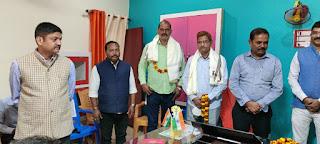 ताहिरपुर विद्यालय के पुरातन छात्रों को किया गया सम्मानित    #NayaSaberaNetwork