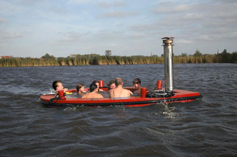 The HotTug Motorized Hot Tub