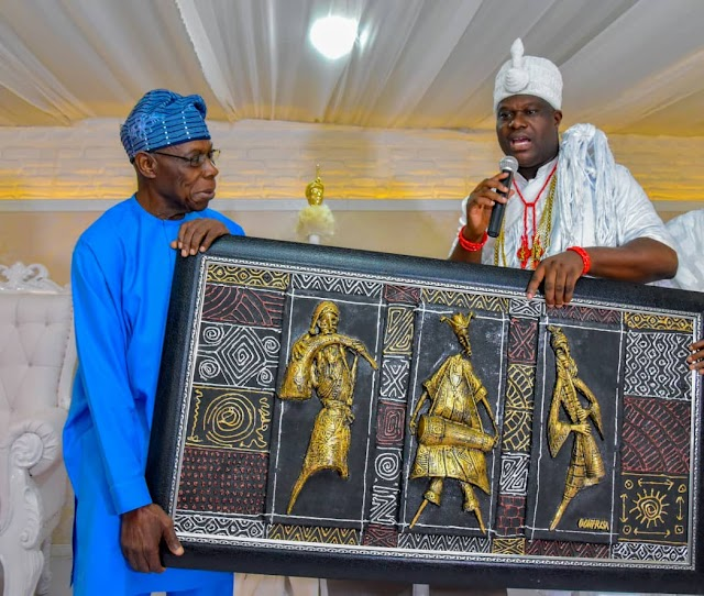 EndSARS: Ooni hosts Obasanjo, begs youth protesters, commends Oyetola