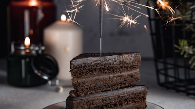 Dessert, chocolate cake, Sparkler