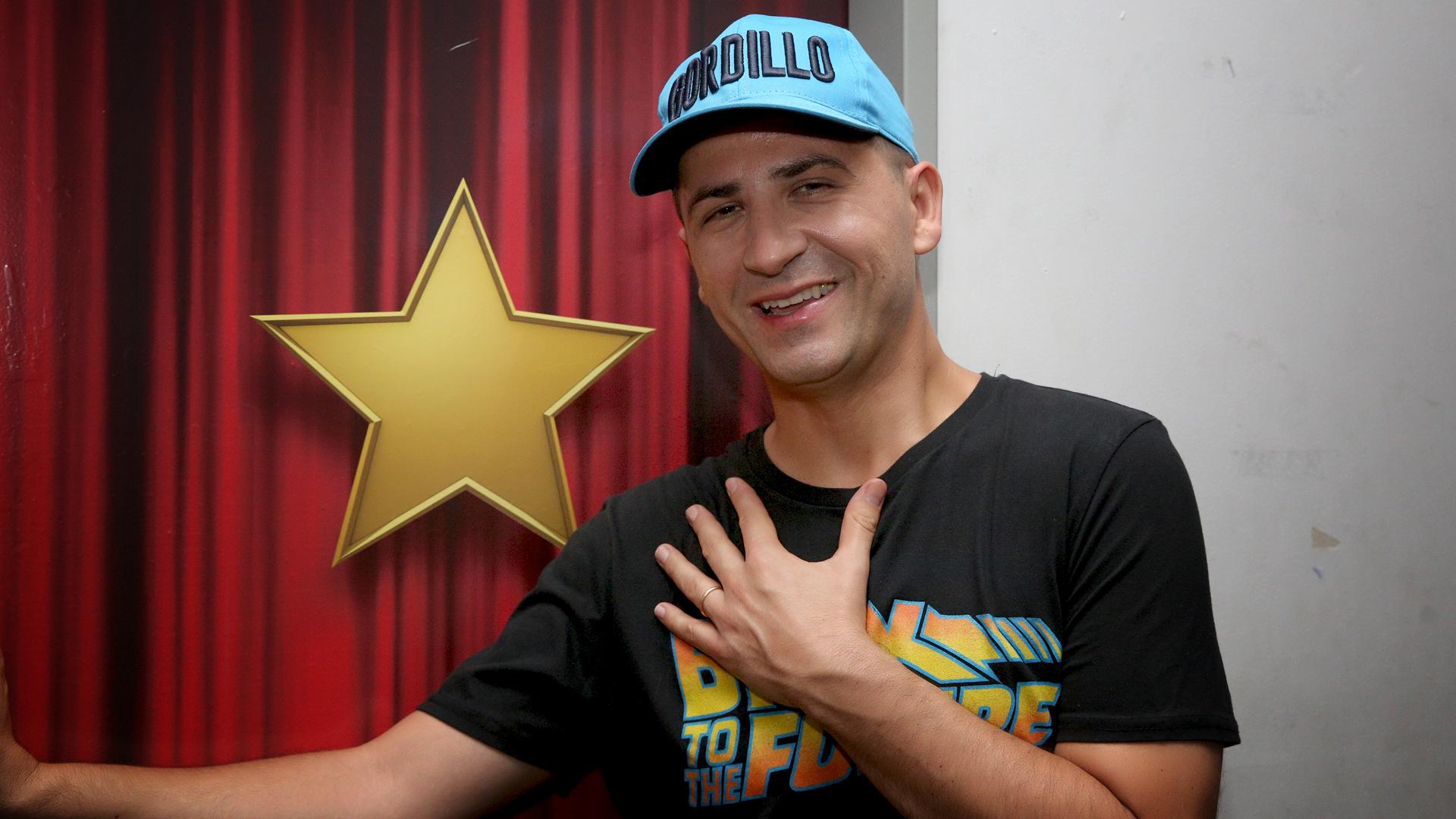 """El """"Oficial Gordillo"""" suspendió su espectáculo en Carlos Paz luego de contagiarse de coronavirus"""
