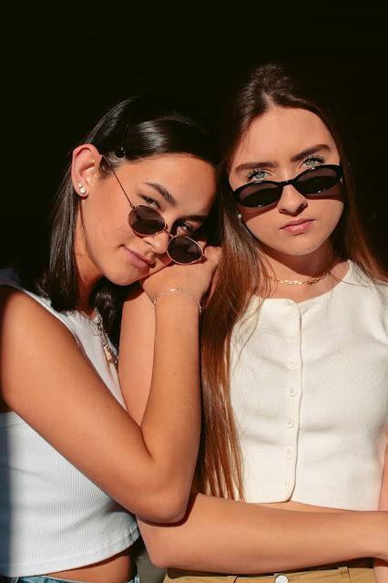 two girls wallpaper free download osm