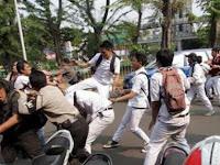 Bosan Jalanan Sepi karena Virus Corona, Pelajar di Jakarta Utara Isi Waktu Luang Dengan Tawuran