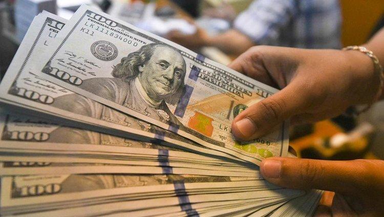Beneficiarios del Ingreso Familiar de Emergencia no podrán comprar dólares