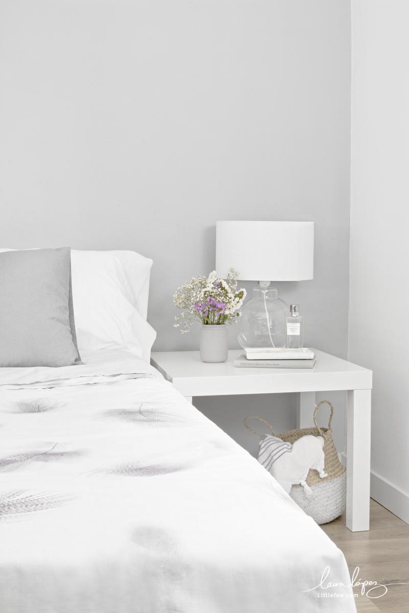 WHITE AND GLASS DETAILS FOR A FRESH BEDROOM / DETALLES EN BLANCO Y CRISTAL PARA UN DORMITORIO MÁS FRESCO