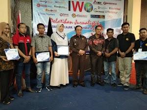 HM Wardan Secara Resmi Menutup Kegiatan Pelatihan Jurnalistik IWO Inhil