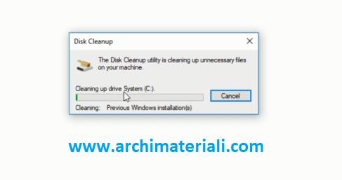 Proses penghapusan folder Windows.Old sedang berlangsung