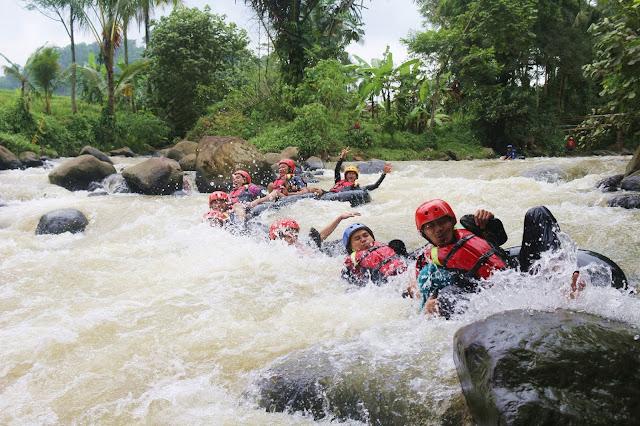 river-tubing-ngaprak-todaydream
