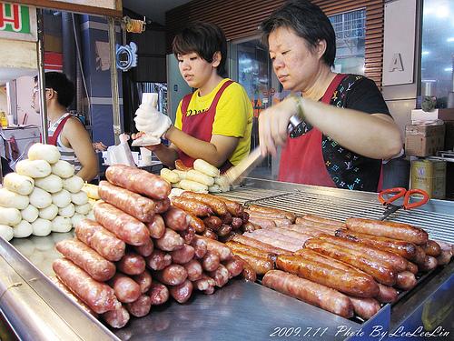 台中逢甲夜市商圈|大腸包小腸