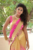 pavani new photos in saree-thumbnail-4