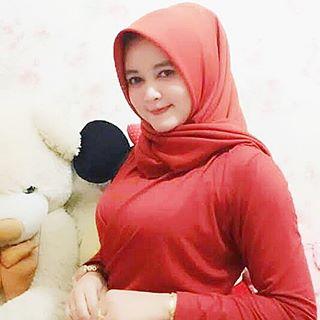 Indonesian Sweet Hijaber