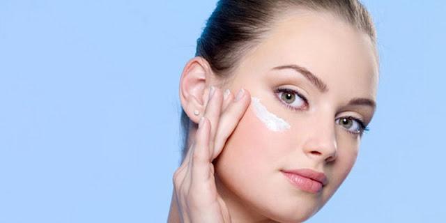 Yuk, Intip 4 Manfaat Foundation untuk Makeup Anda!