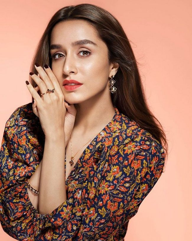 Celeb Gossips: Shraddha Kapoor Becomes Third Most Followed Celebrity?