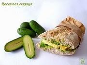 http://recetinesasgaya.blogspot.com.es/2014/01/bocadillo-de-tortilla-con-aguacate-datil.html