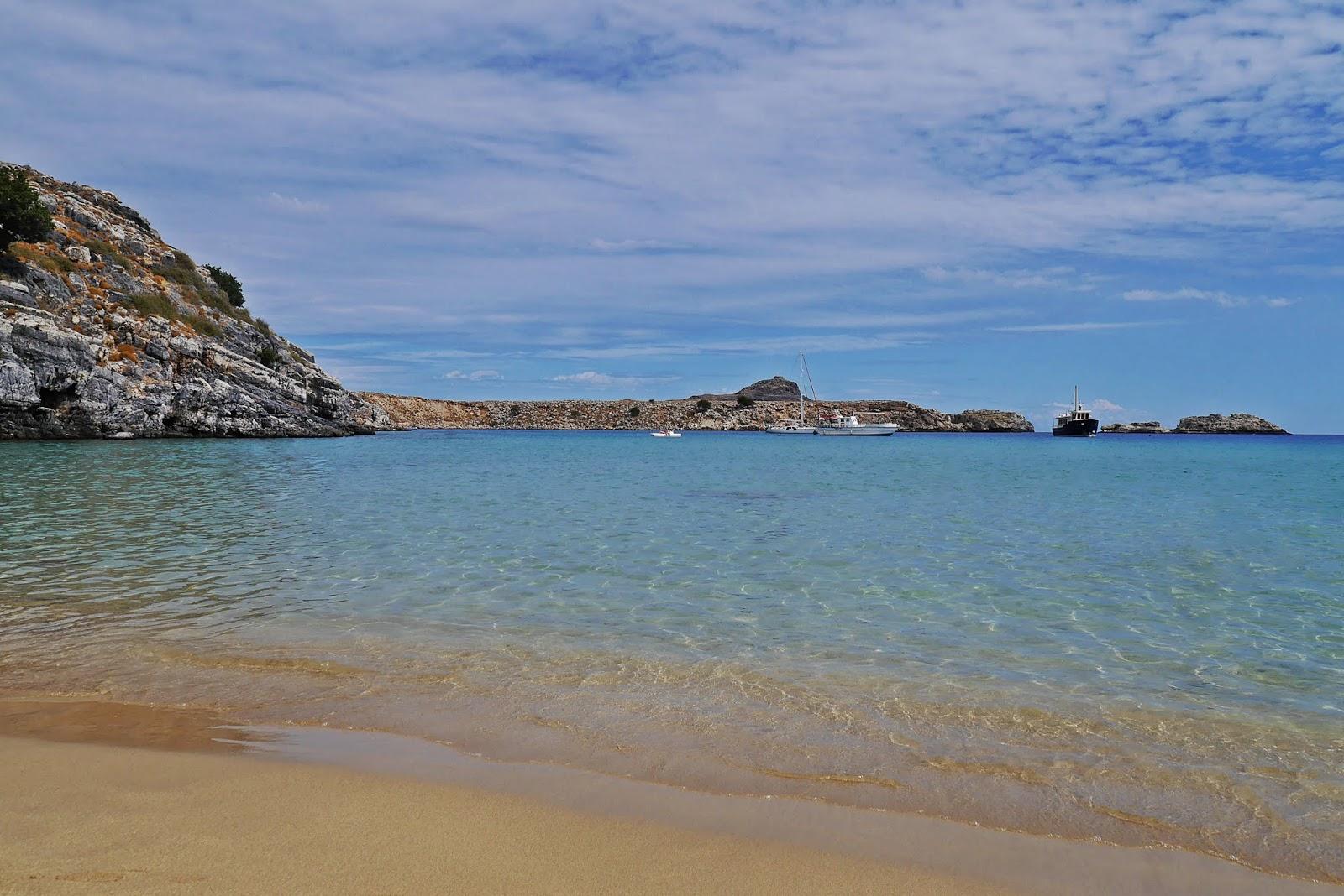 Beach of lindos plaża lindos rodos rhodes grecja karyn blog modowy blogerka modowa podróż poślubna