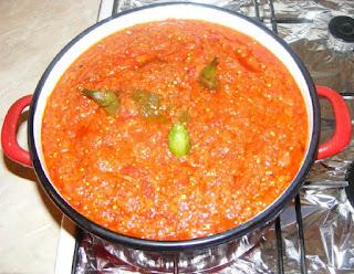 retete zacusca, reteta zacusca, zacusca de casa din peste si legume, conserva de peste cu legume, retete culinare,