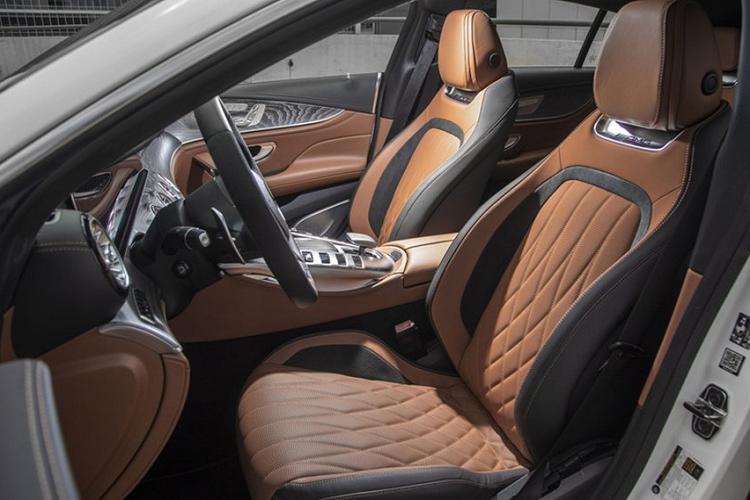 Xe thể thao giá rẻ Mercedes-AMG GT 43 khởi điểm 2,1 tỷ đồng