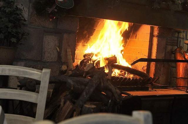 Γιατί καίμε το χριστόξυλο στο τζάκι την παραμονή των Χριστουγέννων