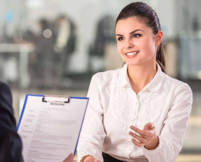 كيف تكون واثقا في مقابلة عمل