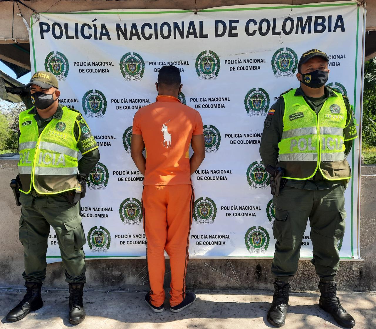 Policía Nacional detiene a un ciudadano, al portar Licencia de Conducción FalsaPolicía Nacional detiene a un ciudadano, al portar Licencia de Conducción Falsa