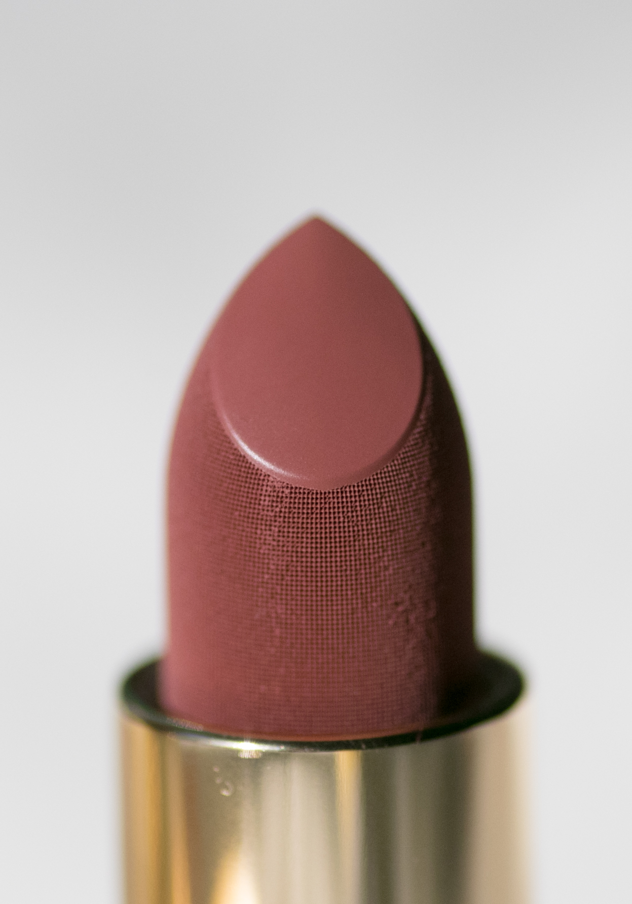 Lisa Eldridge True Velvet Lip Colour in Velvet Muse