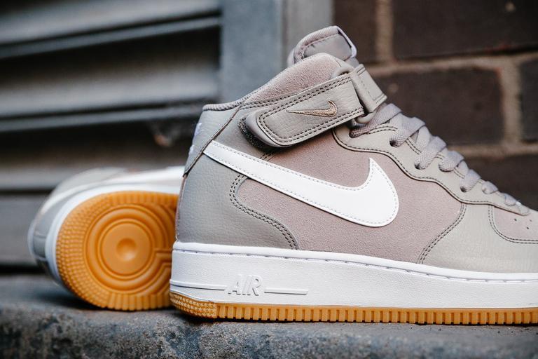 Nike Air Force 1 07 Suede