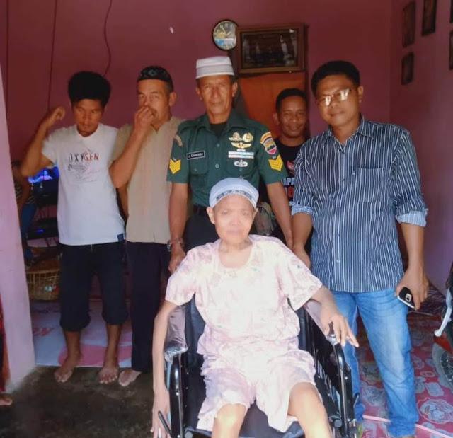Serma Jefrimmanedi Sisihkan Gaji Beli Kursi Roda, Untuk Nenek Opet Lumpuh 30 Tahun