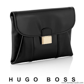 Queen-Letizia carried Hugo Boss fanila clutch