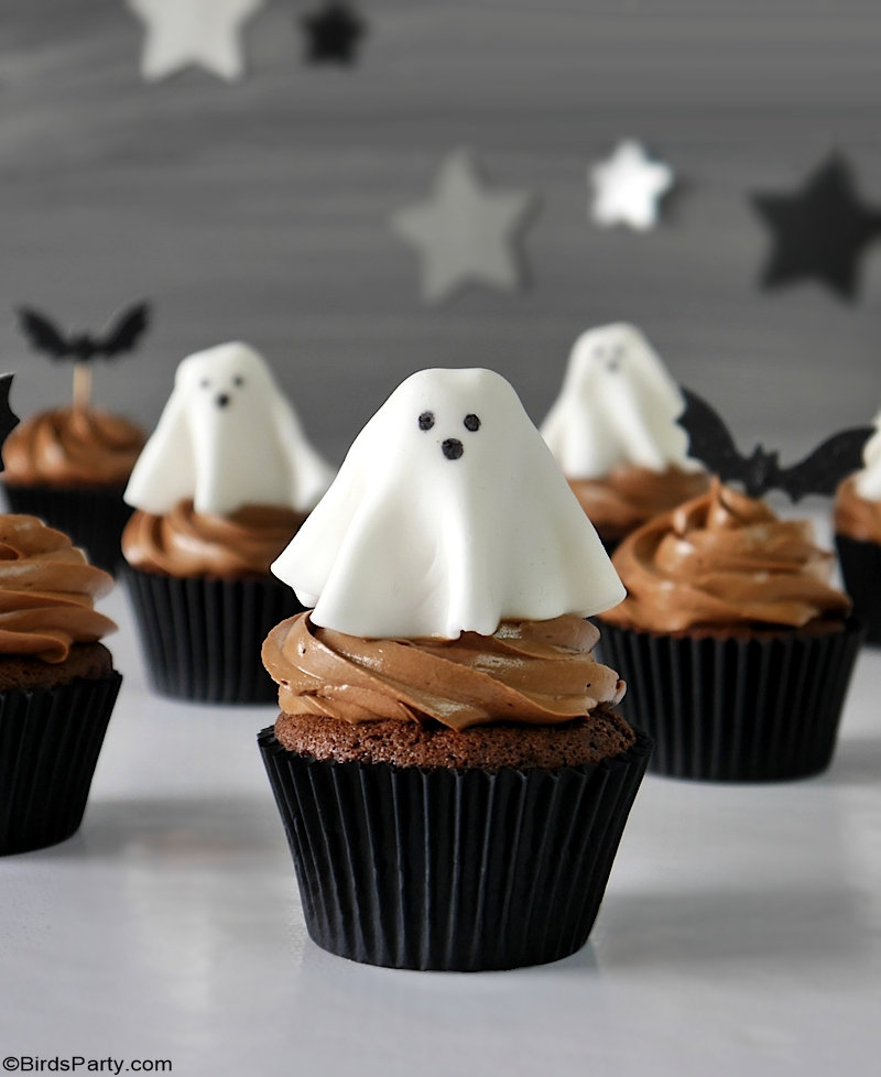 Halloween Chocolate Cupcakes with Fondant Ghost Toppers